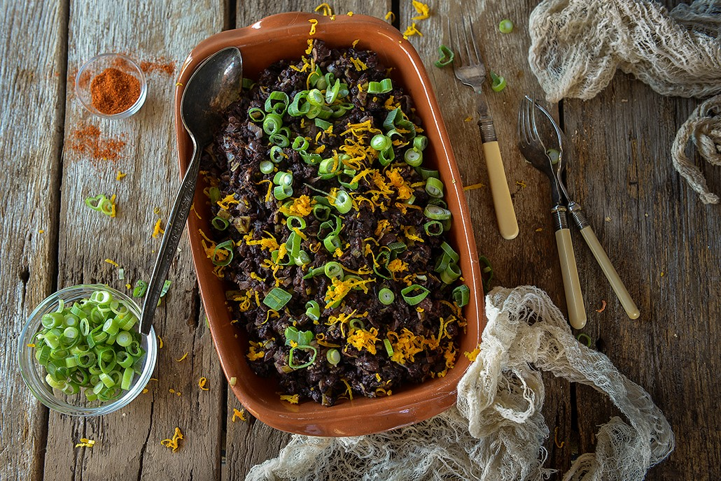 Inspired from a Fork Over Knives recipe by Del S, this Ethiopian Wild Rice Pilaf is a wonderful spicy dish using the Berbere spice used in Ethiopian cooking